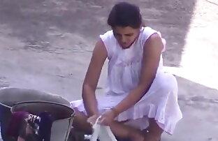 कामुक स्नान के साथ सोफी और फुल ओपन सेक्स फिल्म वेलेंटीना
