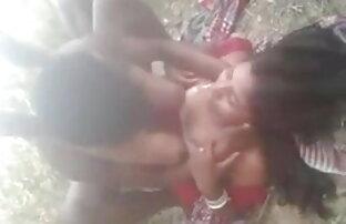 खेल पर के रूप में भारतीय, प्रिया का सेक्सी इंग्लिश मूवी उपयोग करता है उसे पूल टेबल पर हस्तमैथुन करने के लिए