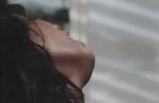 Zuzinka हिंदी में सेक्सी फिल्म फुल मूवी संभोग करने के लिए masturbates कार में