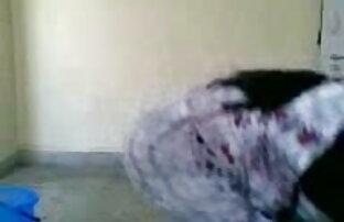 स्कीनी सुनहरे बालों वाली एक खिलौना के साथ उसे बिल्ली देसी सेक्सी एचडी मूवी गोते