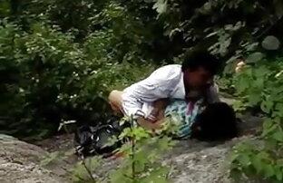 भाग्यशाली आदमी चूसने सेक्सी वीडियो फुल फुल मूवी और एक भयानक श्यामला से सवारी हो जाता है