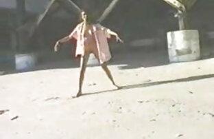सेक्सी सुनहरे बालों वाली खुद फिल्म सेक्सी मूवी हिंदी के साथ खेलता है